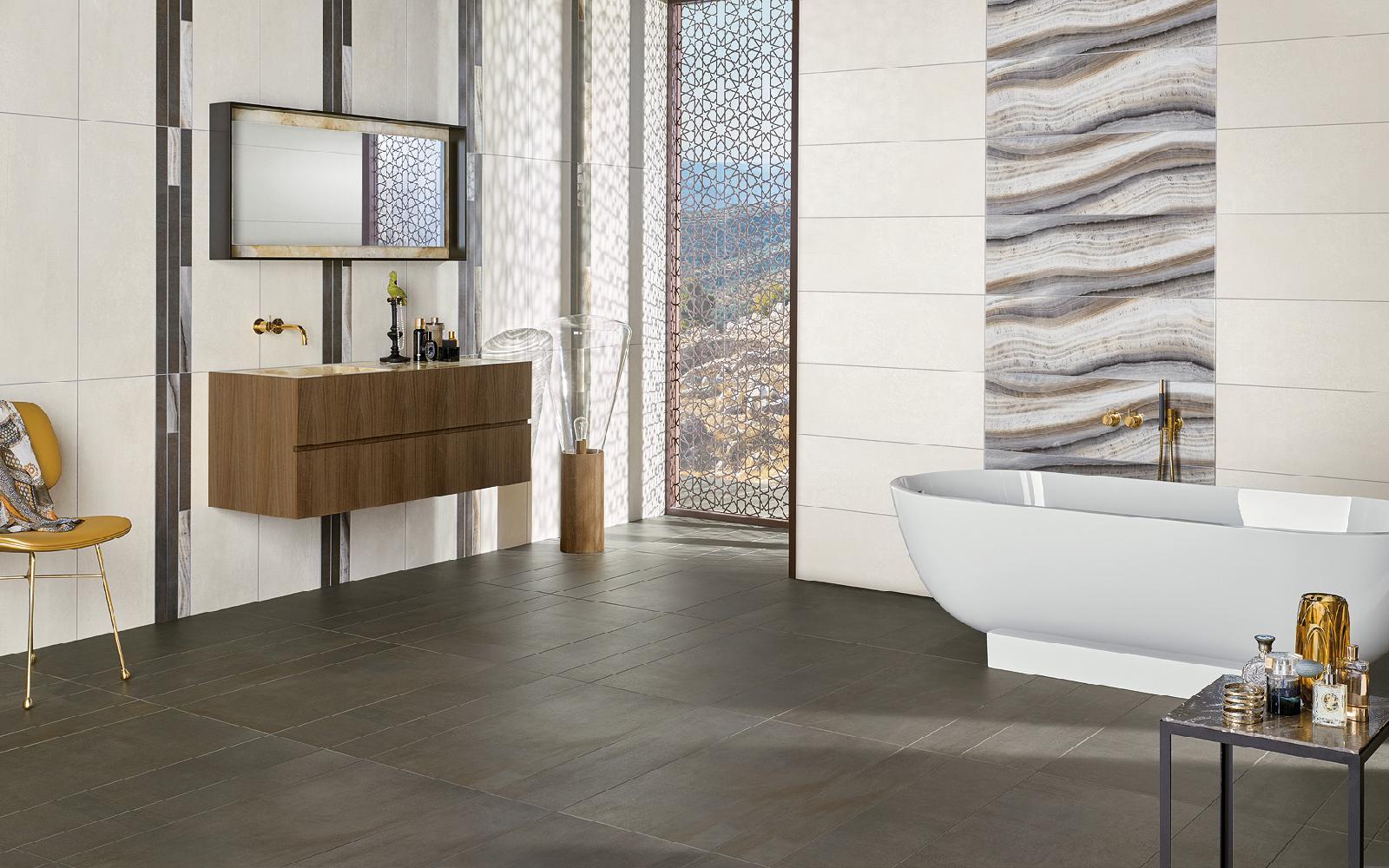 Hochwertig Badezimmer Mit Highlights Aus Marmorierten Fliesen